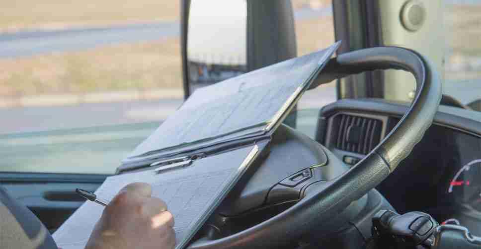 Como controlar a jornada de trabalho de motoristas de caminhão?