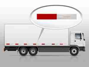 aplicando faixa em frota de caminhões